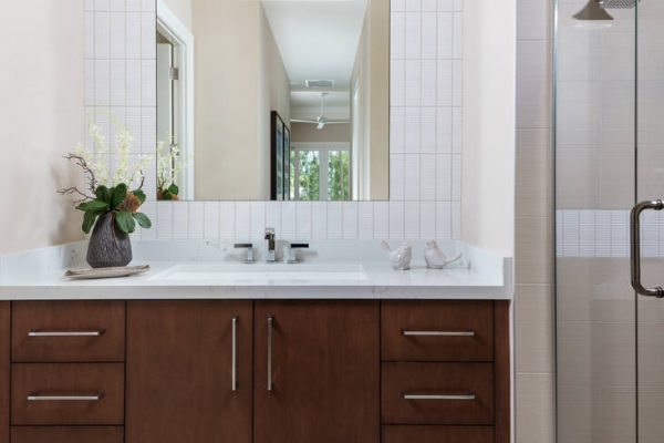 201 Caribbean Rd Naples FL-large-017-006-Guest Bath-731x1000-72dpi