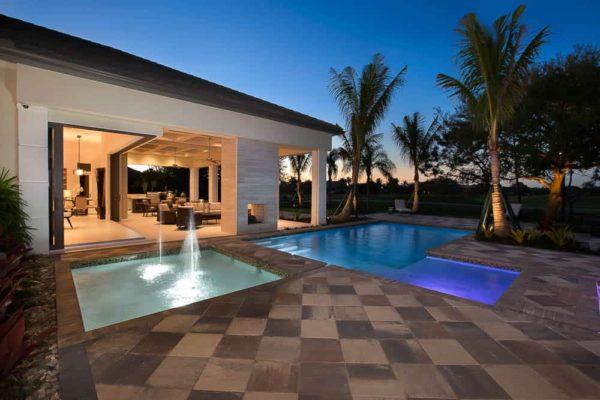 Twilight-Pool