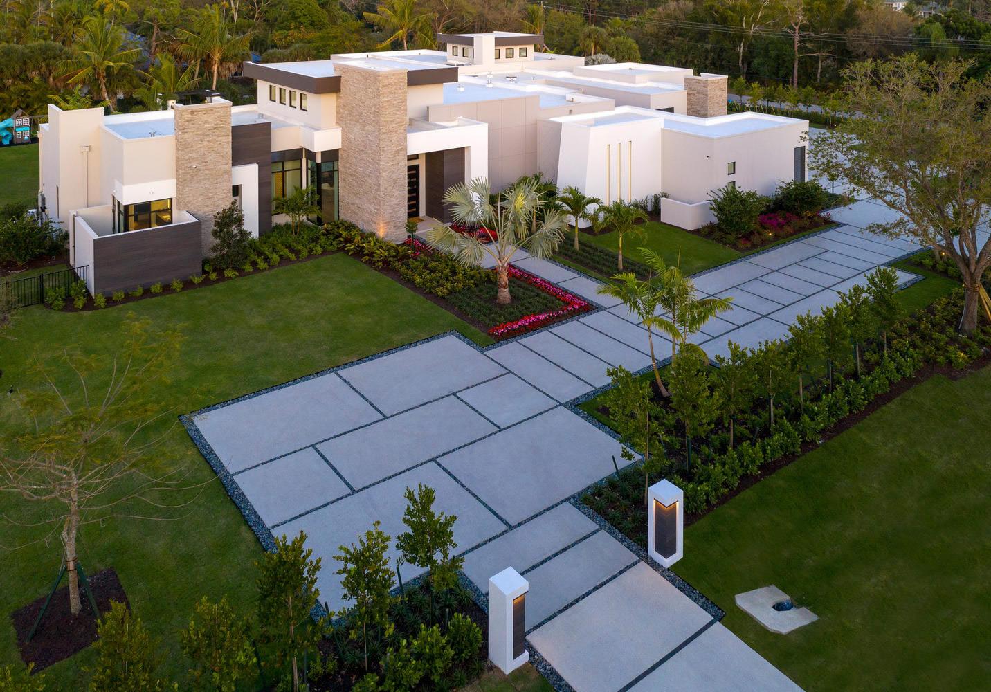 Naples Daily News: McGarvey Custom Homes Shapes Pine Ridge Estates